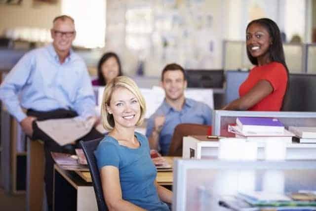 Gente Negocios Sonriendo Oficina
