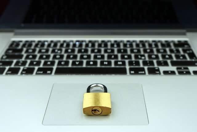 Trabajo Seguridad Laptop Candado