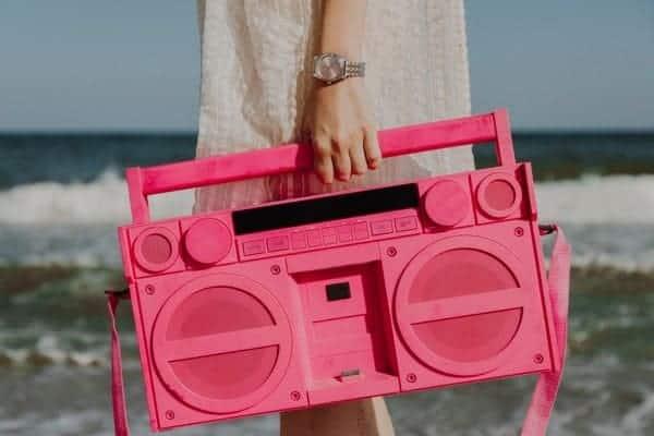 Mujer Stereo Portatil Fucsia Playa