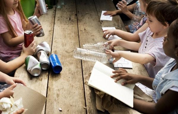 niños educacion reciclaje