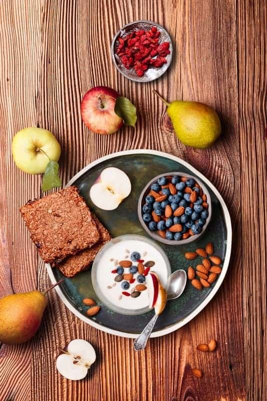 Desayuno Saludable Frutas Cereal Pan Mesa Madera