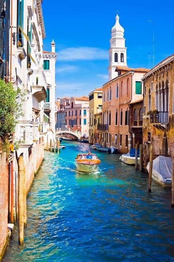 Bote Canal Venencia